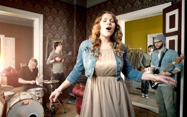Mobilée, Zur Single-VÖ: Wir haben das Genesis-Making Of für euch