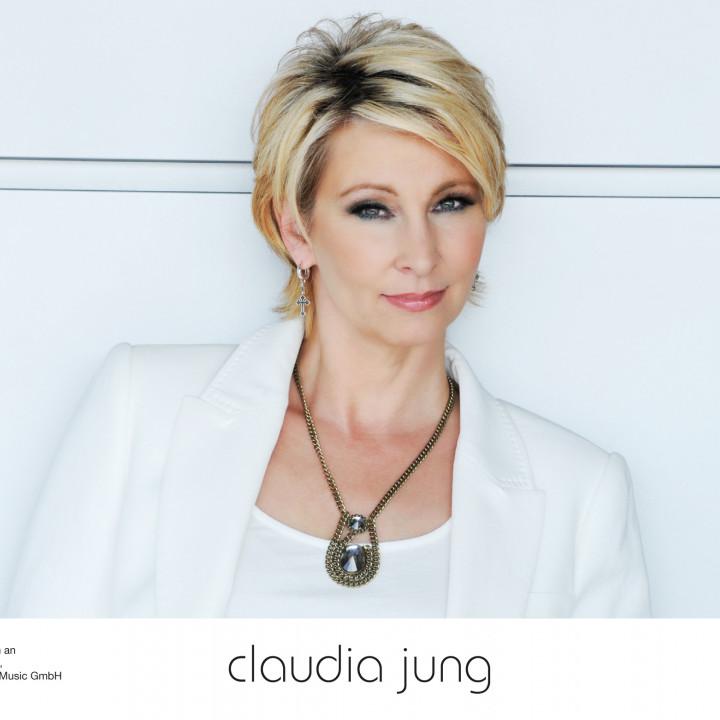 Claudia Jung 2012 − 4