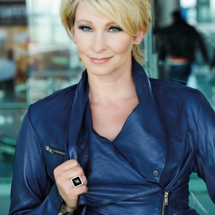 Claudia Jung 2012 − 5
