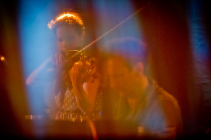 Hilary Hahn und Hauschka - Yellow Lounge im Asphalt