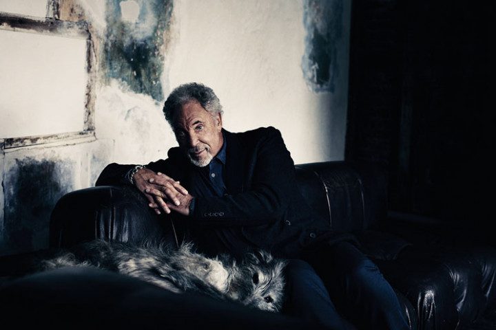 Tom Jones Spirit in the Room_4