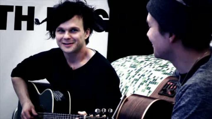 "Live & Acoustic ""Stranger"""