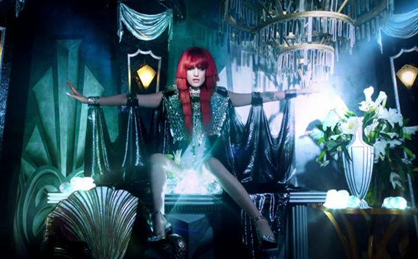 Florence + The Machine, Schaut hinter die Kulissen des Videodrehs zu Spectrum