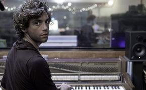 Mika, Bewegender Kurzfilm über Mikas The Origin Of Love
