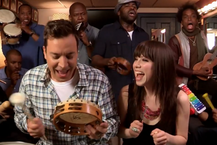 "Jimmy Fallon, Carly Rae Jepsen & The Roots Sing ""Call Me Maybe"""