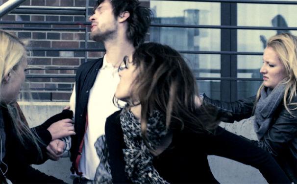 Kraftklub, Video zu Kein Liebeslied: Hetzjagd mit gnadenlosem Showdown