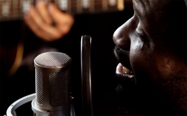 Chima, Video-Interview: Chima verrät Hintergrund-Infos zum Album Stille