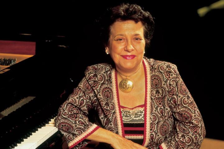 Alicia de Larrocha, c Decca