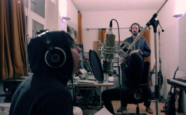Max Herre, Video: Achtung Aufnahme 4 - Max Herre, Philipp Poisel und Tua im Studio