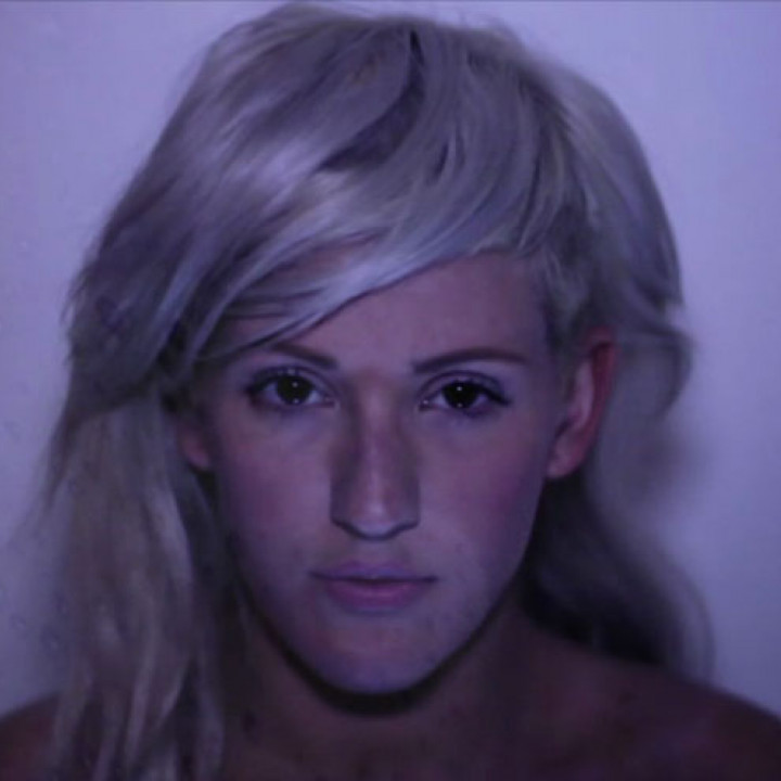 Ellie Goulding Videostill Hanging On 2