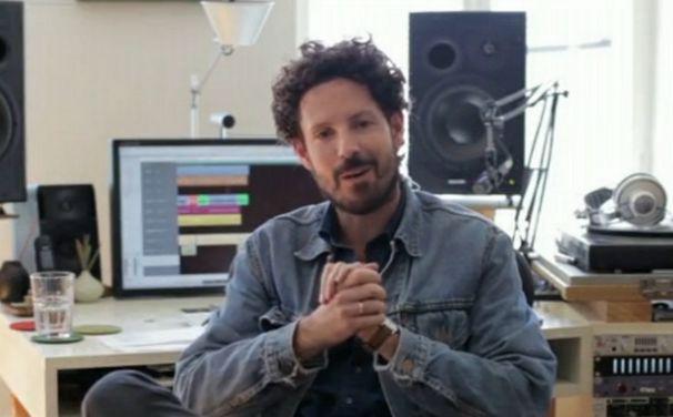 Max Herre, Video: Max Herre erzählt über jeden Song auf Hallo Welt!