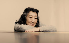 Mitsuko Uchida, Langjährige Liebesaffäre