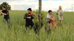 Spark, Folk Tunes - Dokumentation