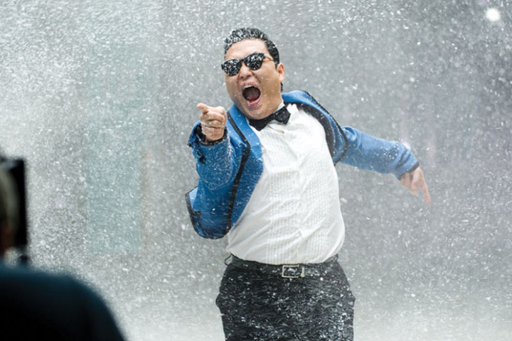 PSY_Pressebild_Gangnam-Style_2012_3
