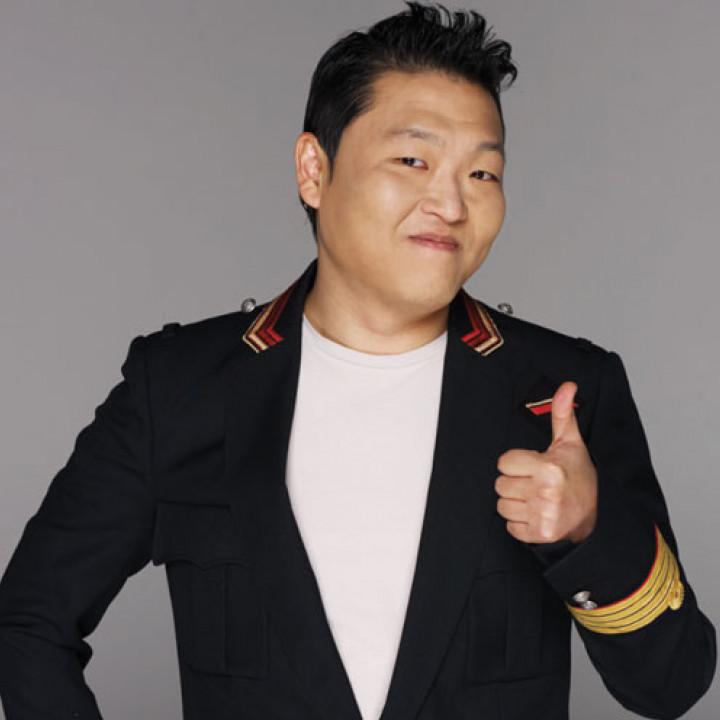 PSY_Pressebild_Gangnam-Style_2012_4