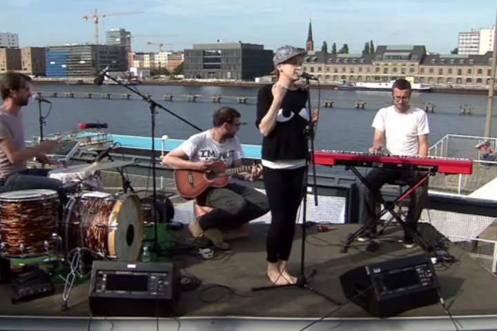 """Leslie Clio """"Auf den Dächern"""" Festival"""