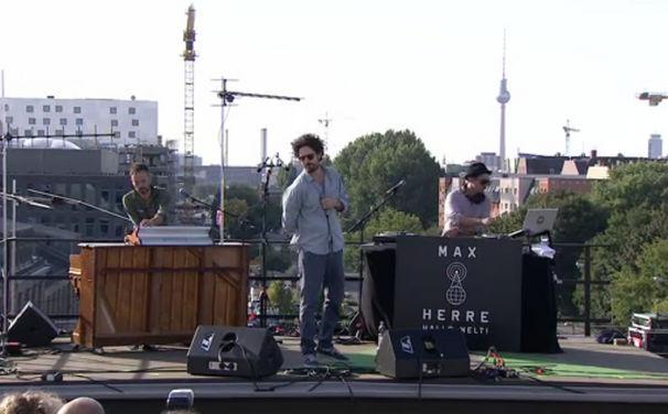 Max Herre, Max Herre auf den Dächern Berlins: Seht das Video vom ADD-Festival