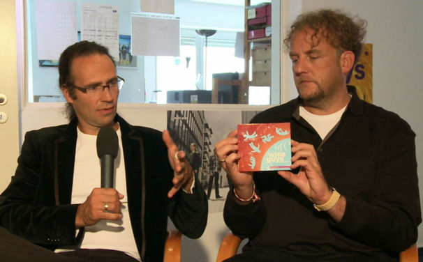Wise Guys, Video: Die Wise Guys im Interview über Zwei Welten instrumentiert