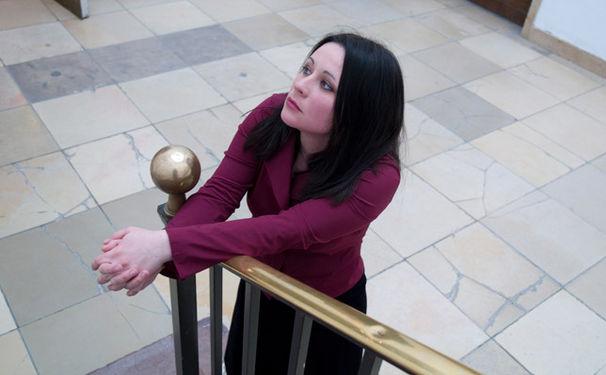 Anna Gourari, Dunkle Gesänge