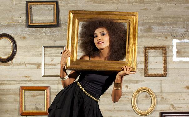 Esperanza Spalding, Esperanza Spalding moderiert in den USA wöchentliche Musik-Fernsehshow