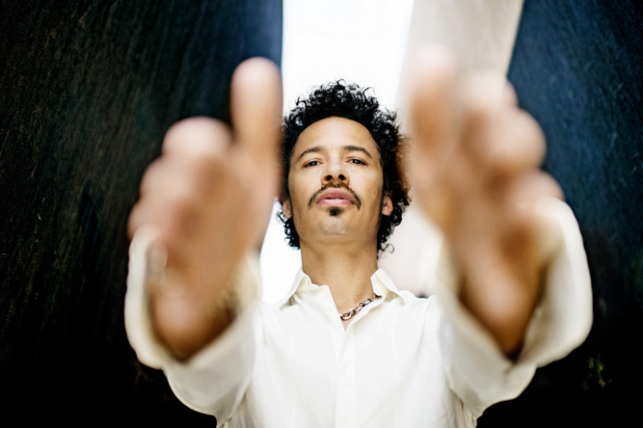 Eagle-Eye Cherry Can't Get Enough