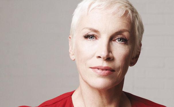 Annie Lennox, Annie Lennox erhält britischen Verdienstorden