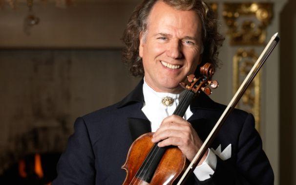 André Rieu, Ab jetzt erhältlich: André Rieu feiert 25 Jahre Johann Strauss Orchester