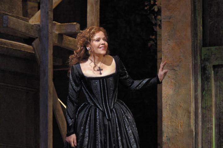 "Renée Fleming in Händels ""Rodelinda"""