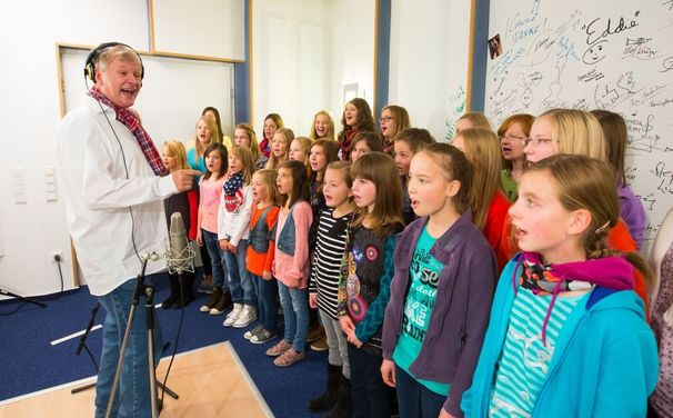 Reinhard Horn, Kostenloser Download! Reinhard Horn singt für Ein Herz für Kinder