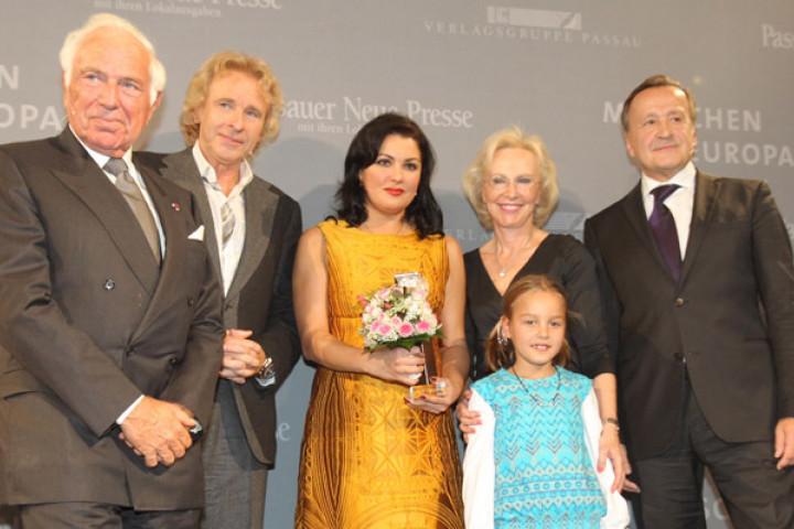 """Anna Netrebko bei der Verleihung des """"Menschen in Europa"""" Awards"""