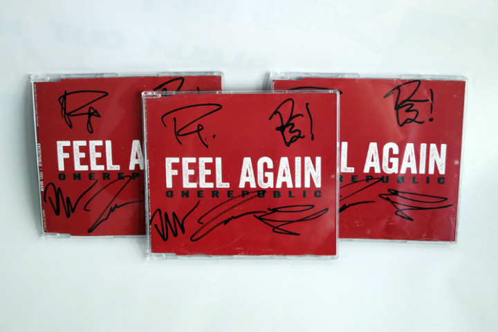 OneRepublic Feel Again Singles signiert
