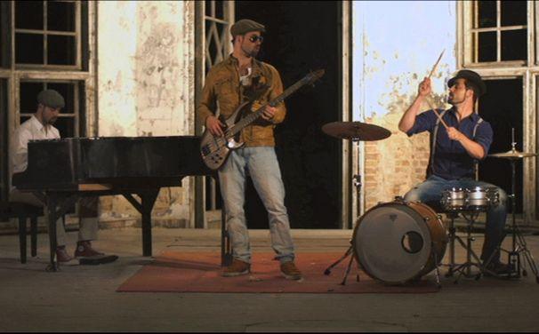 Mic Donet, Travel These Streets: Mic Donet präsentiert Video zum Albumtrack