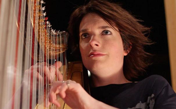 Catrin Finch, Das Instrument der Engel
