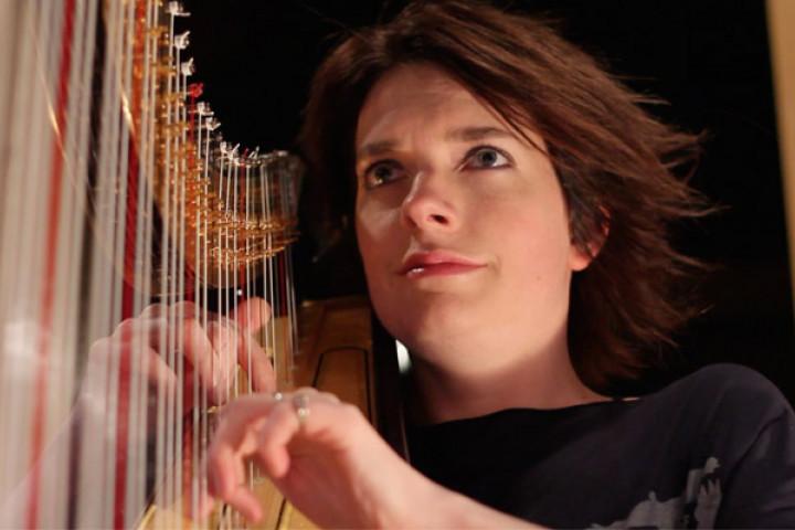 Catrin Finch an der Harfe