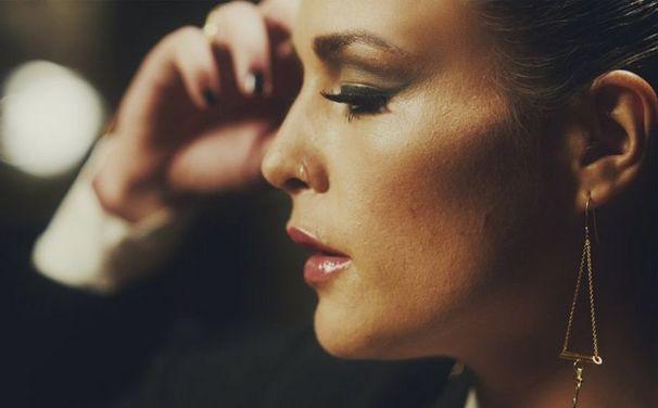 Jessie Ware, Devotion von Jessie Ware erscheint heute als Gold Edition