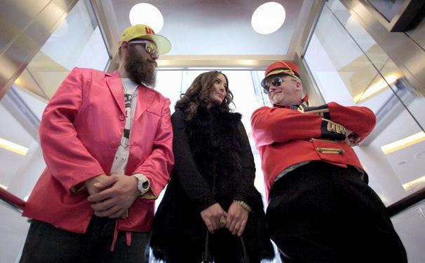 DJ Ötzi, Die vielen Gesichter des DJ Ötzi: Video zur Single Wie ein Komet online