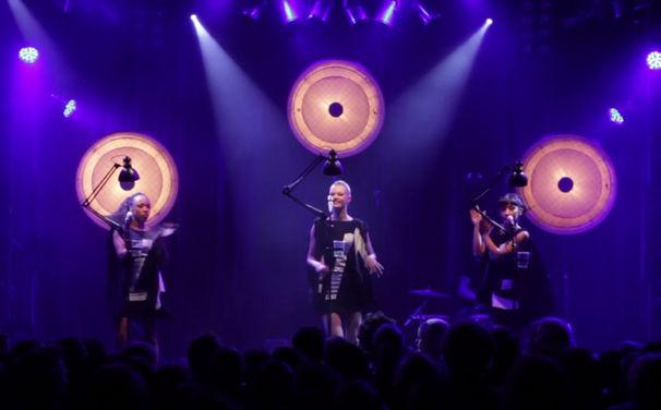 Laing, Laing live beim Berlin Festival: Seht drei Songs aus Paradies Naiv