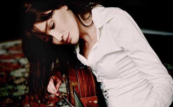 Carla Bruni, Das neue Album von Carla Bruni Little French Songs jetzt vorbestellen