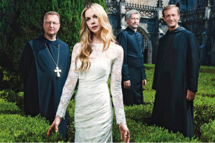 Die Priester Mojca Erdmann