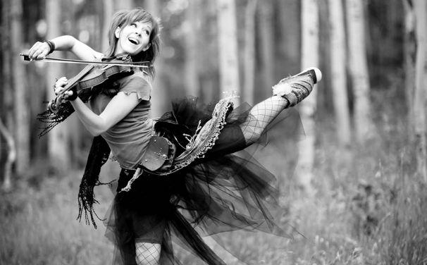 Lindsey Stirling, Lindsey Stirling hat ihr Goldalbum als Re–Edition mit 5 Bonus-Tracks veröffentlicht