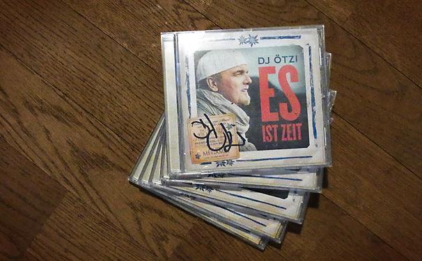 DJ Ötzi, Signierte Alben zu gewinnen: Sichert euch DJ Ötzis Es ist Zeit