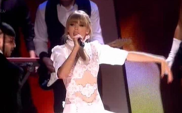 Taylor Swift bei den BRIT Awards 2013