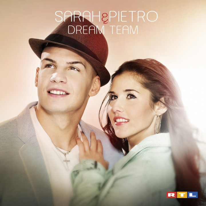 Sarah und pietro cover album dream team