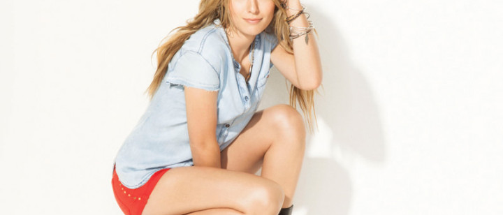 Bridgit Mendler 2013