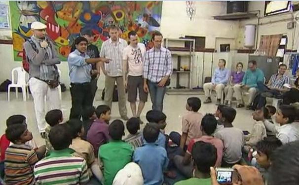Wise Guys, Misereor-Hilfsprojekt Butterflies: Die Wise Guys musizieren mit indischen Kindern