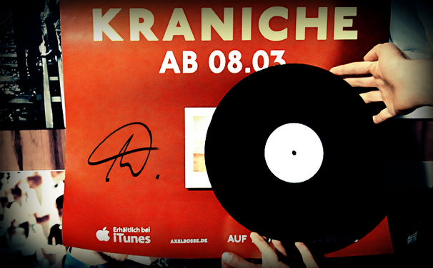 Bosse, Gewinnt Bosses Kraniche-Plakate und eine Vinyl-Testpressung