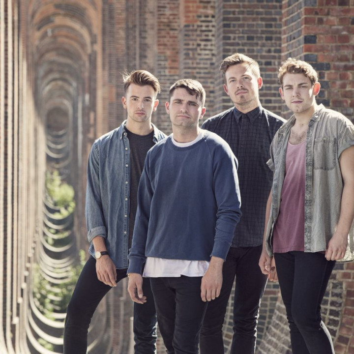 Lower Than Atlantis Pressefoto 2013