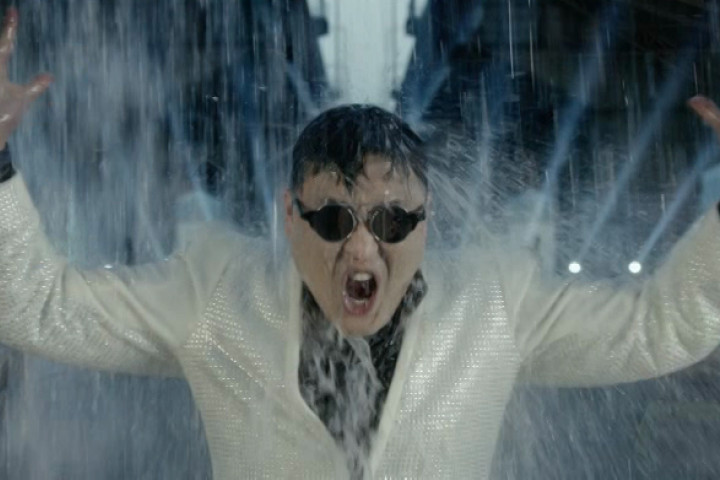 PSY_Pressebild_Gangnam-Style_2012_1
