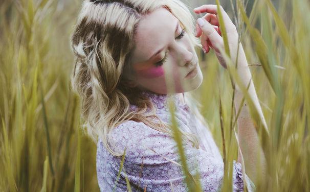 Emma Louise, Emma Louise hat ihr neues Album Vs Head Vs Heart veröffentlicht