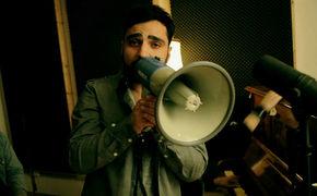Fayzen, Lautsprecher Fayzen: Seht hier das Musikvideo zu Und der Wasserhahn tropft